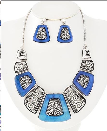 Tartaruga Necklace in Blue