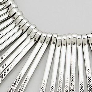 Metal Fringe Necklace (close up)