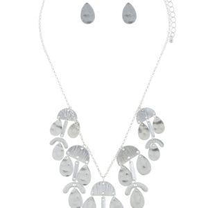 Adamaris Necklace in Silver Tone