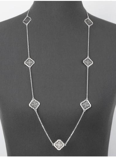 Quatrefoil Necklace in Worn Silver